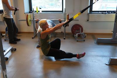 Massor med träningsövningar med TRX