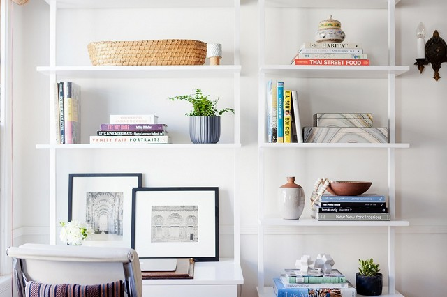 home-tour-a-young-designers-cheerful-eclectic-la-home-1519478.640x0c.jpg