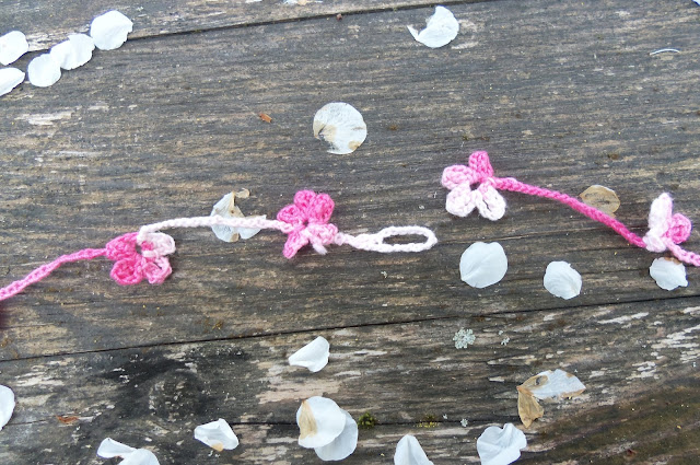 crochet Five Petaled Flower necklace