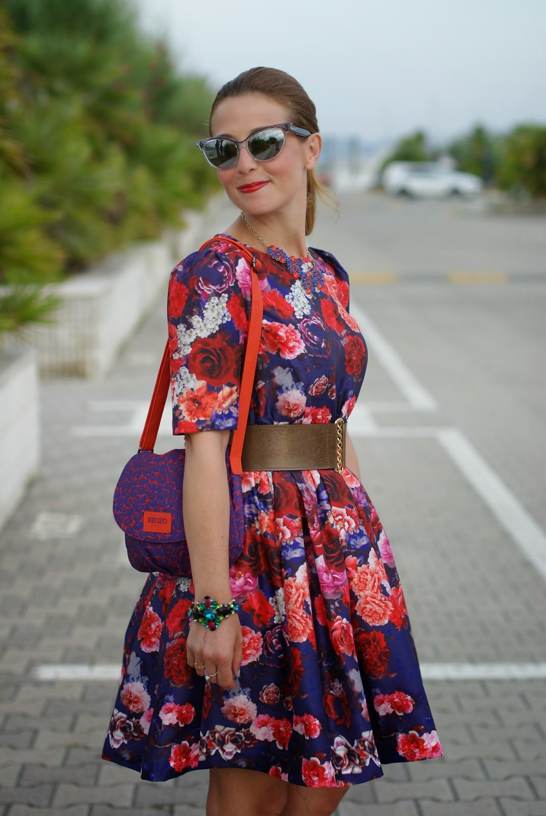 50s red roses dress, Kenzo bag, mercantia bracciali e collane, Fashion and Cookies, fashion blogger