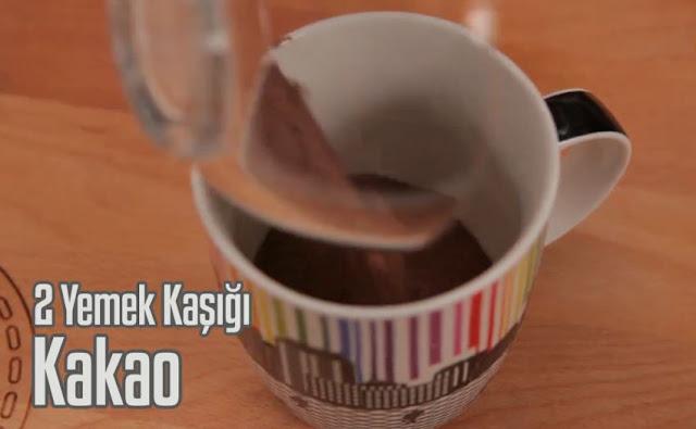 bardakta-karamelli-cikolatali-kek-tarifi