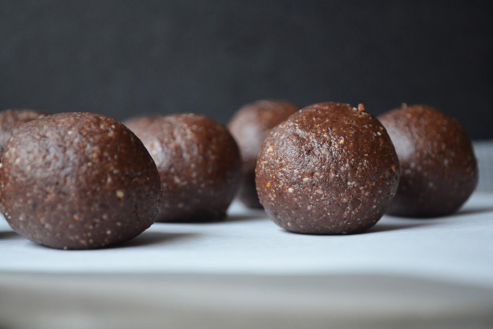 Raw Chocolate Bliss Balls
