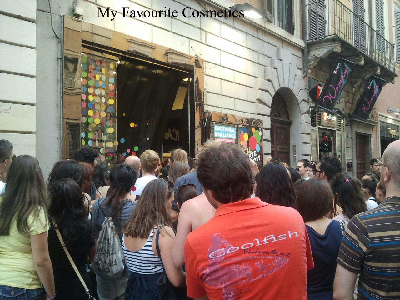 My favourite cosmetics lush via del corso roma cambio for Mac roma via del corso