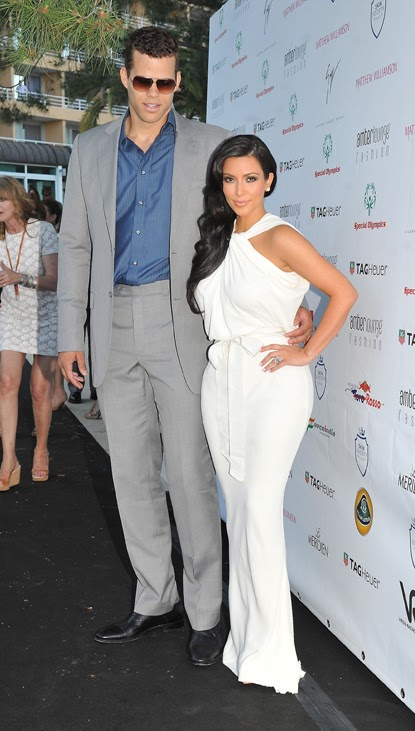 kourtney kardashian engagement ring. Kim Kardashian and fiance Kris