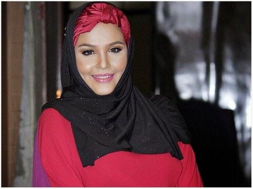 Penyanyi Noryn Aziz Selamat Lahirkan Bayi Lelaki