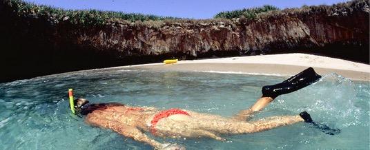 Keindahan Pantai Tersembunyi Buat Ramai Terpukau