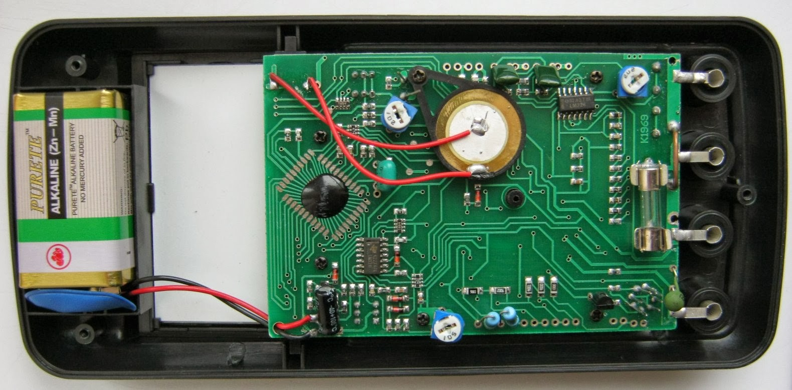 Common Emitter Dt9205a Multimeter Review Icl7106 Digital Voltmeter Circuit Schematic For Those Is Easy To Find And Seems More Or Less Matching This One Main Difference Using 4 Dual Instead Of 2 Quad Operational Amplifiers