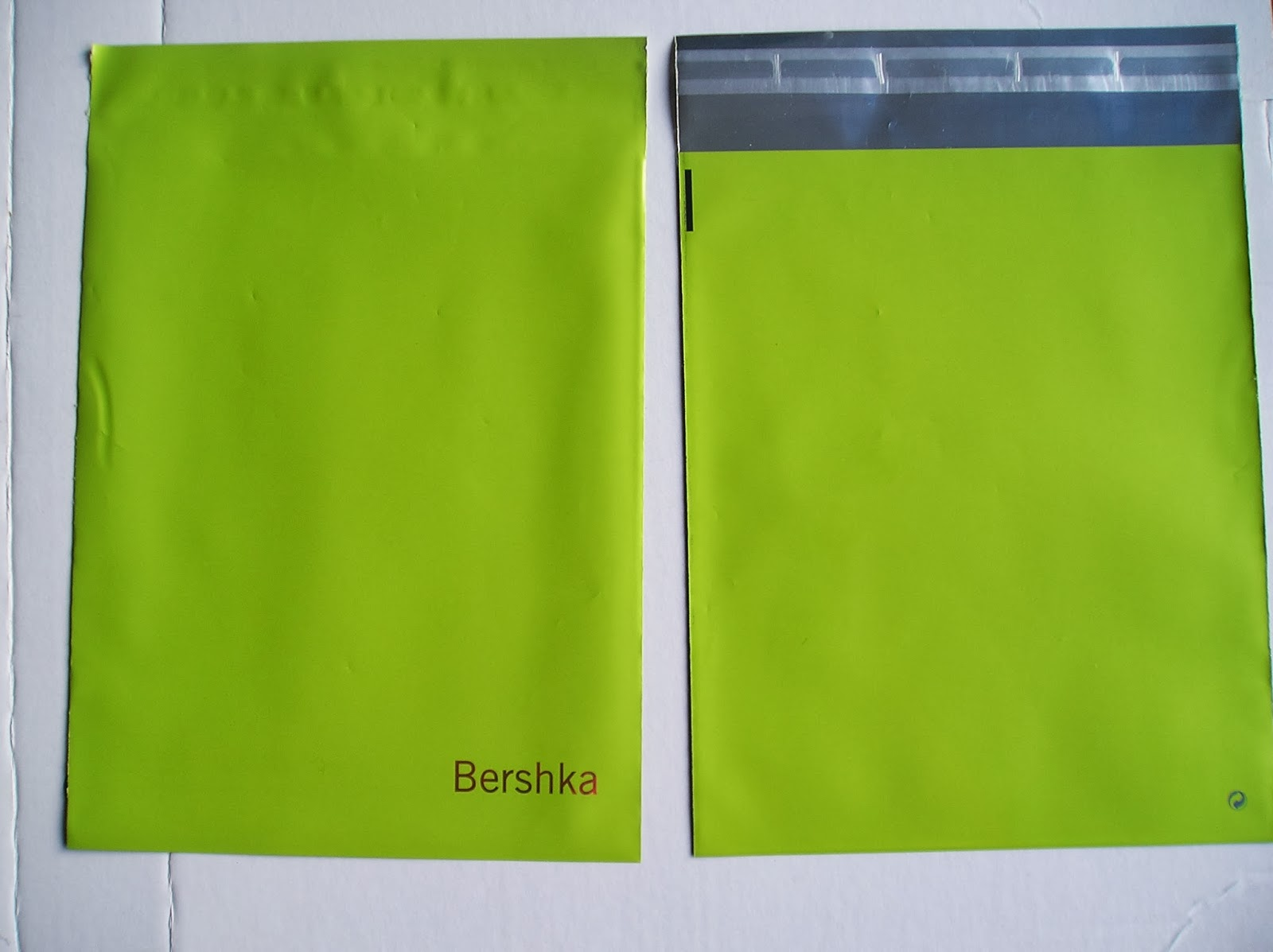 bolsa PP con solapa y tira adhesiva