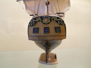 maqueta a escala del Corsair de occre