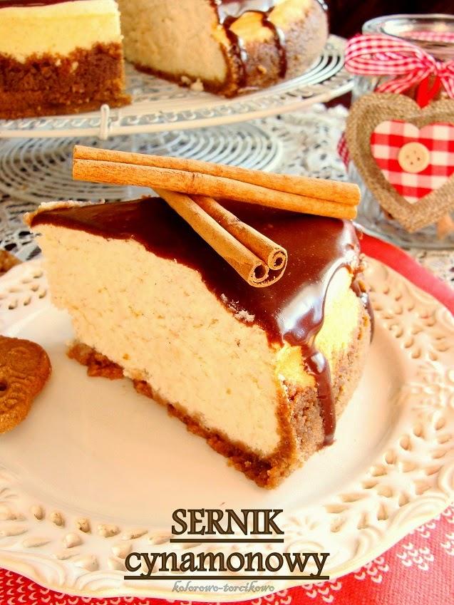 Sernik cynamonowy na ciasteczkowych spodzie