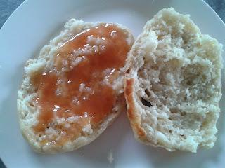 http://hvadskalvibage.blogspot.dk/2013/11/engelske-muffin-madblog-udfording.html
