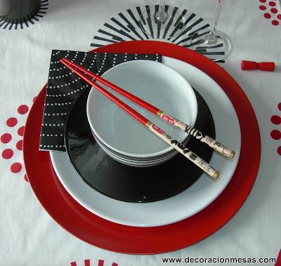 decoracion mesa estilo oriental platos