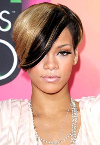 Rihanna karamel siyah iki renkli kısa saç