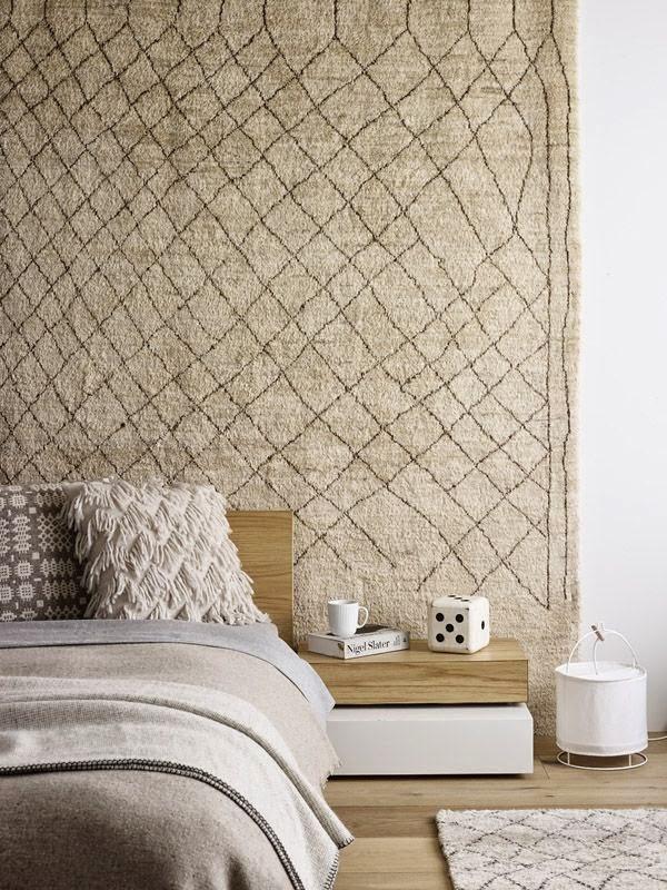 tapis sur le mur