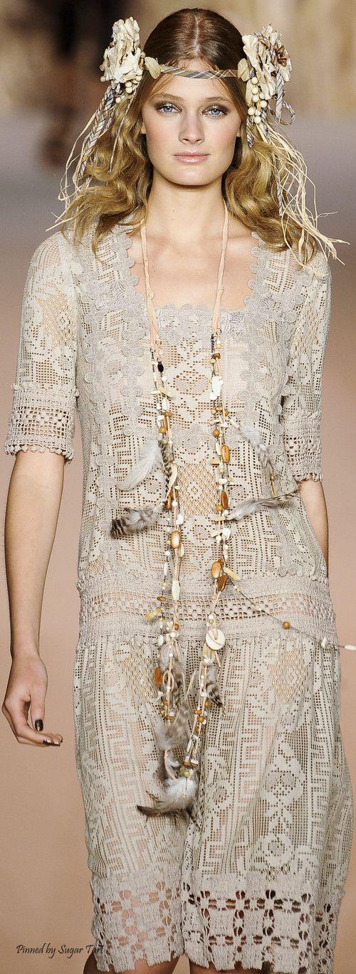sukienka szydelkiem koronka filet