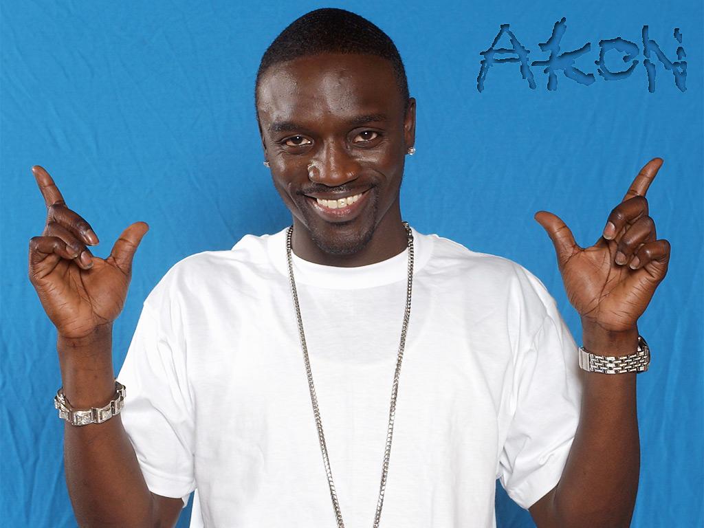 http://4.bp.blogspot.com/-EtF1km2g9rI/TZG-U3dbs3I/AAAAAAAAAIQ/fvUL7gITSLk/s1600/Akon.jpg