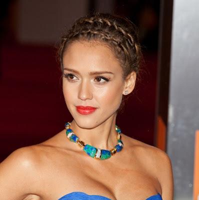 http://4.bp.blogspot.com/-EtMjfo_V_sw/ThzHP5Kq01I/AAAAAAAABGI/BkDWLyrm8oI/s400/Jessica-Alba-Hairstyles-updos.jpg