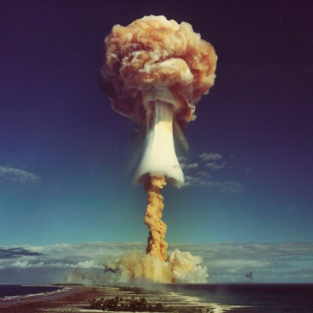 iPad Wallpaper - Atomic Bomb
