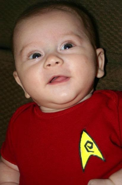http://www.instructables.com/id/Easy-Star-Trek-Baby-Costume/