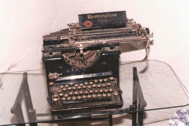 La Poesía y los días: CONTENIDO (Relación de títulos)