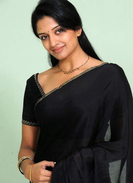 Vimala Raman In Black Saree