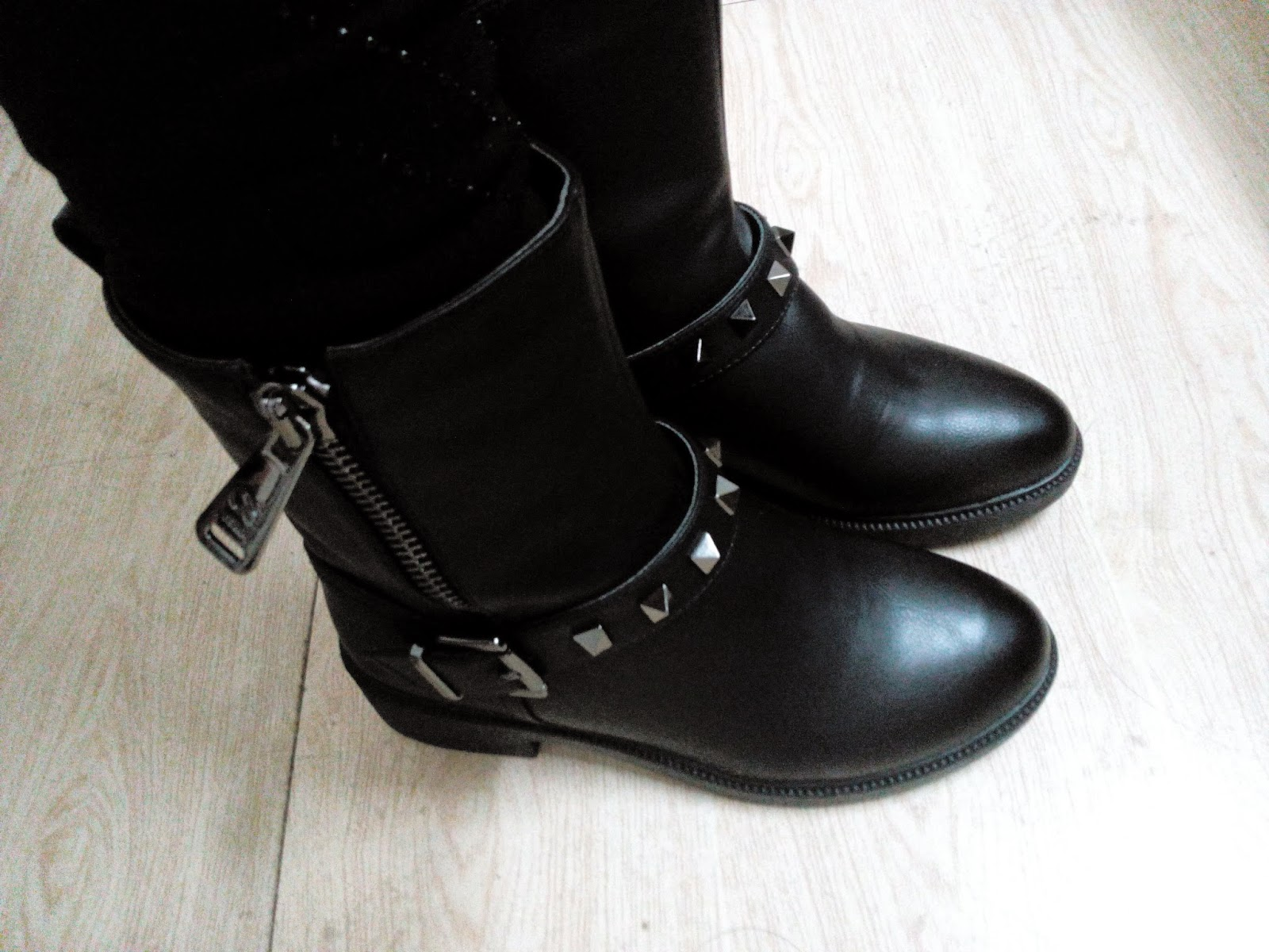 Black Winter Boots 3