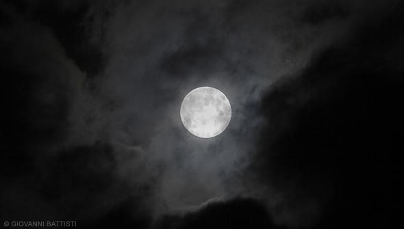 Fotografia della luna gigante del 23 giugno