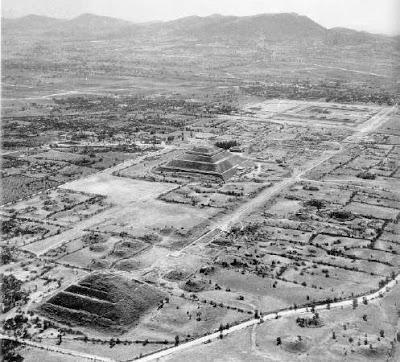 Fotografía antigua de Teotihuacan
