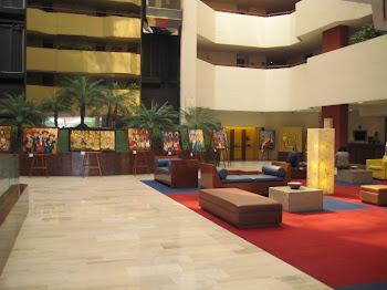 En el Lobby del Camino Real