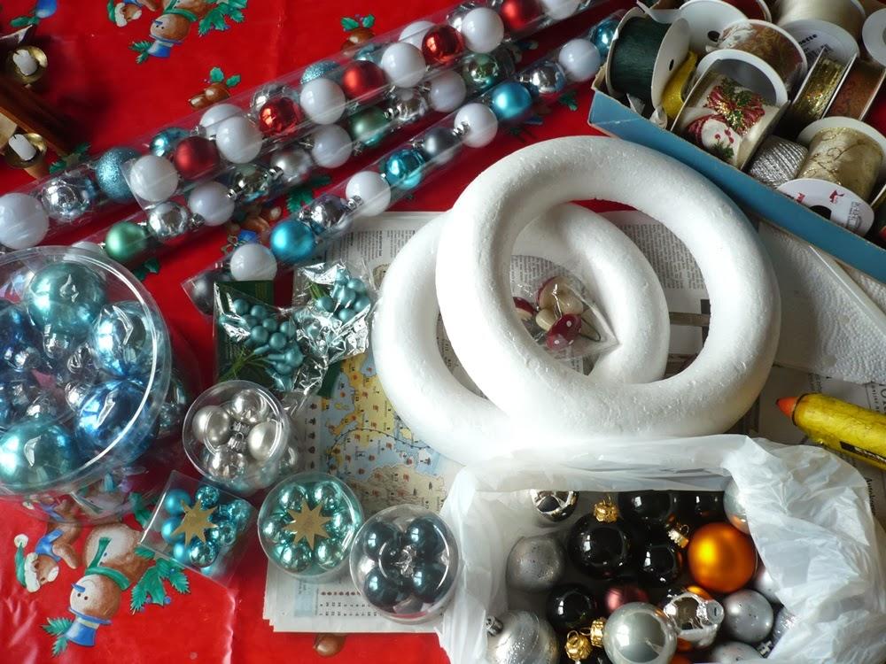 salinas kreative seite weihnachtlicher t rkranz. Black Bedroom Furniture Sets. Home Design Ideas