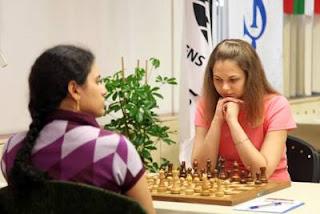 Échecs à Ankara ronde 9 : Humpy Koneru (2593) 0-1 Anna Muzychuk (2606) - Photo Anastasiya Karlovich