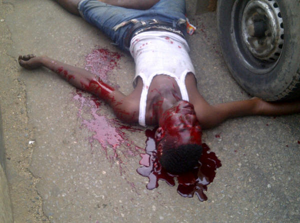 Policeman allegedly shoots bus conductor dead at Ketu | viewers discretion advised