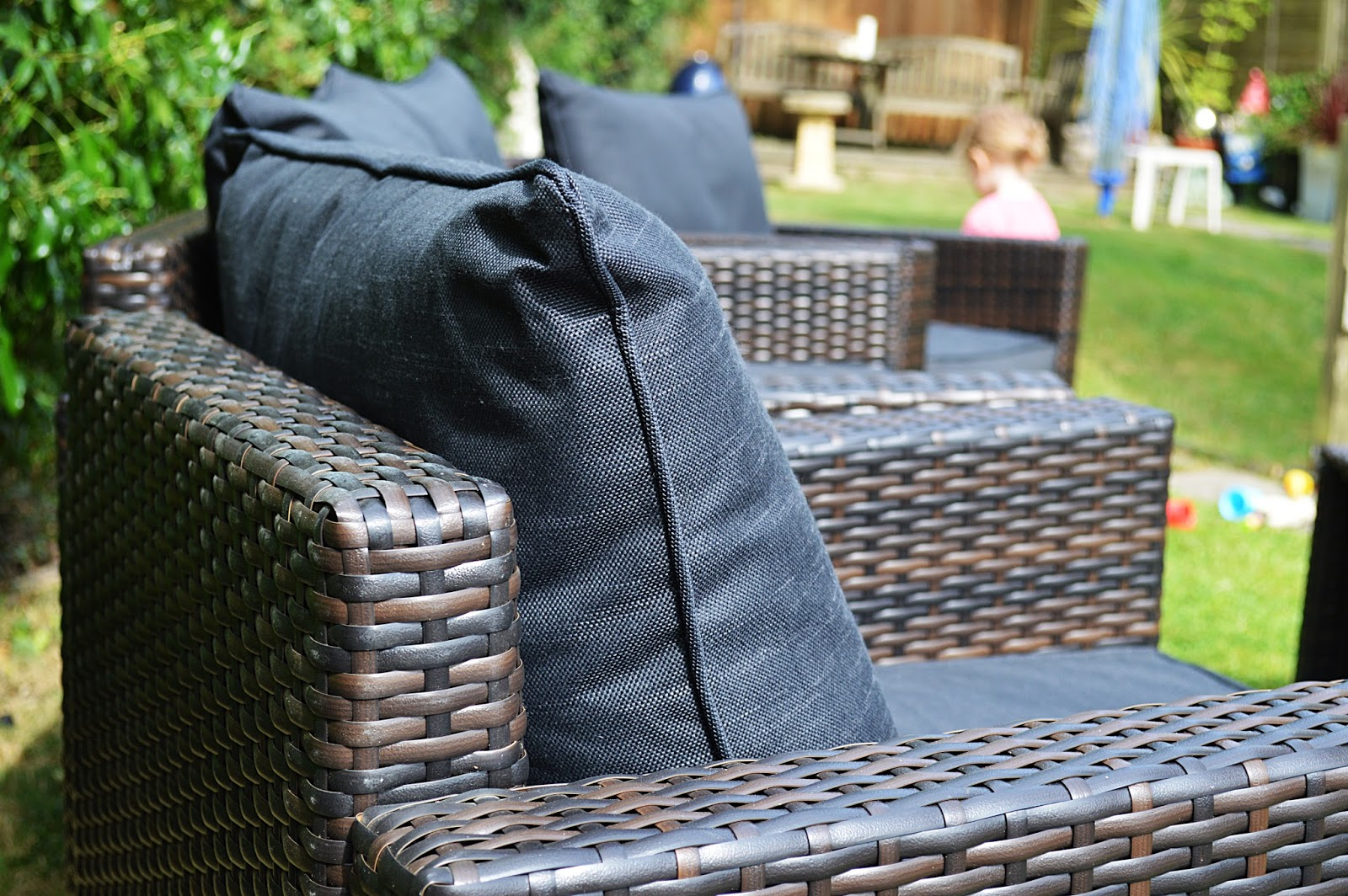 Garden Furniture Jakarta review | jakarta conversation sofa set | the lifestyle lens
