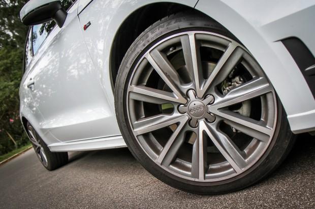 carro on Audi A1 2013