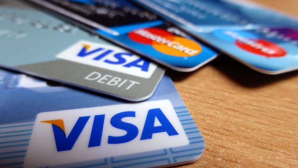Tips bertransaksi dengan kartu kredit