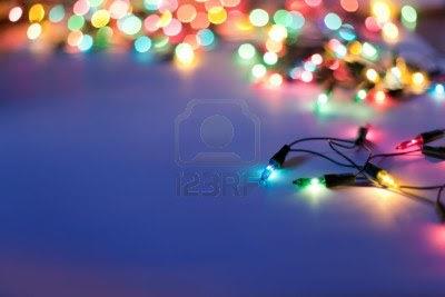 Las tradicionales luces de colores que colocamos a nuestro arbol de navidad