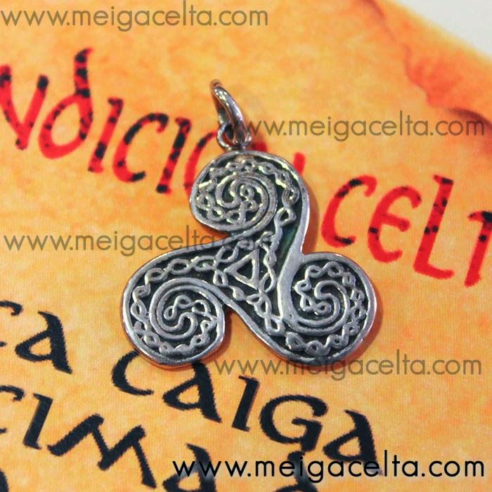 Triskel Trisquel labrado de Plata - Colgante amuleto talisman A Coruña Meiga Celta