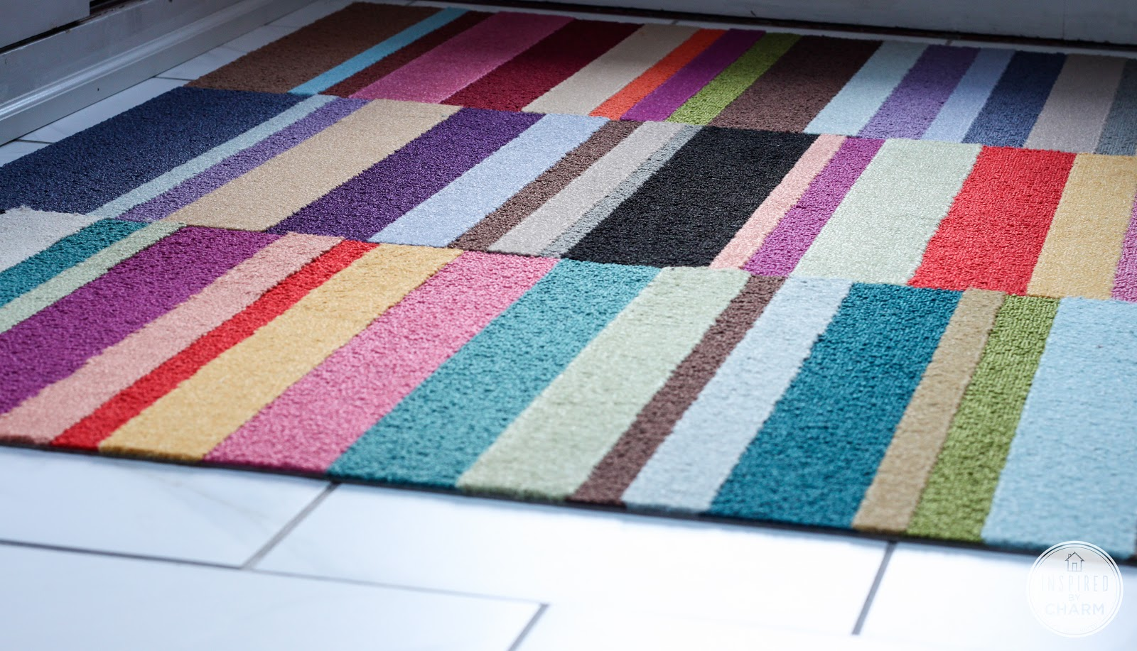 And that's it, friends! My new, colorful rug!