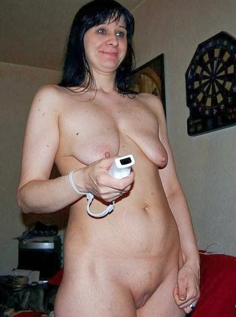 Leere Titten schlaff und nackt