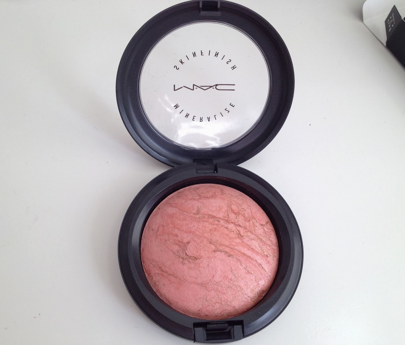 MAC Mineralize Skinfinish in Stereo Rose