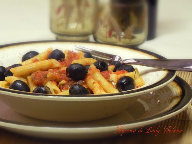 hiperica_lady_boheme_blog_di_cucina_ricette_gustose_facili_veloci_penne_all%2527_arrabbiata_2
