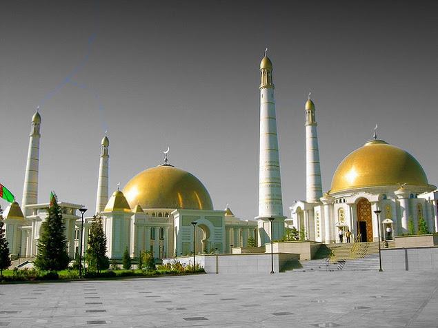 Turkmenistan, Sekularisme di Tengah Mayoritas Islam