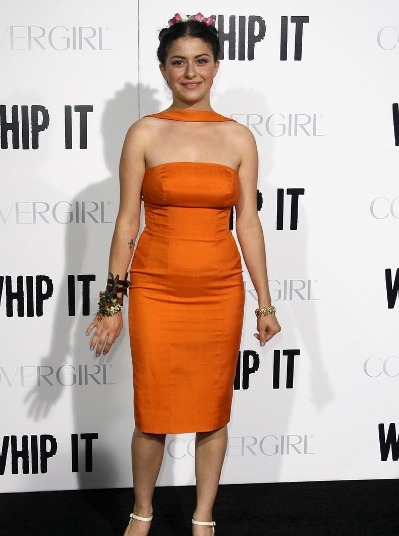 Alia Shawkat hot hd wallpapers - HIGH RESOLUTION PICTURES