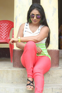 PRIYANKA PANDIT SPICY BHOJPURI ACTRESS STUNNING LATEST IMAGES WALLPAPERS GALERY