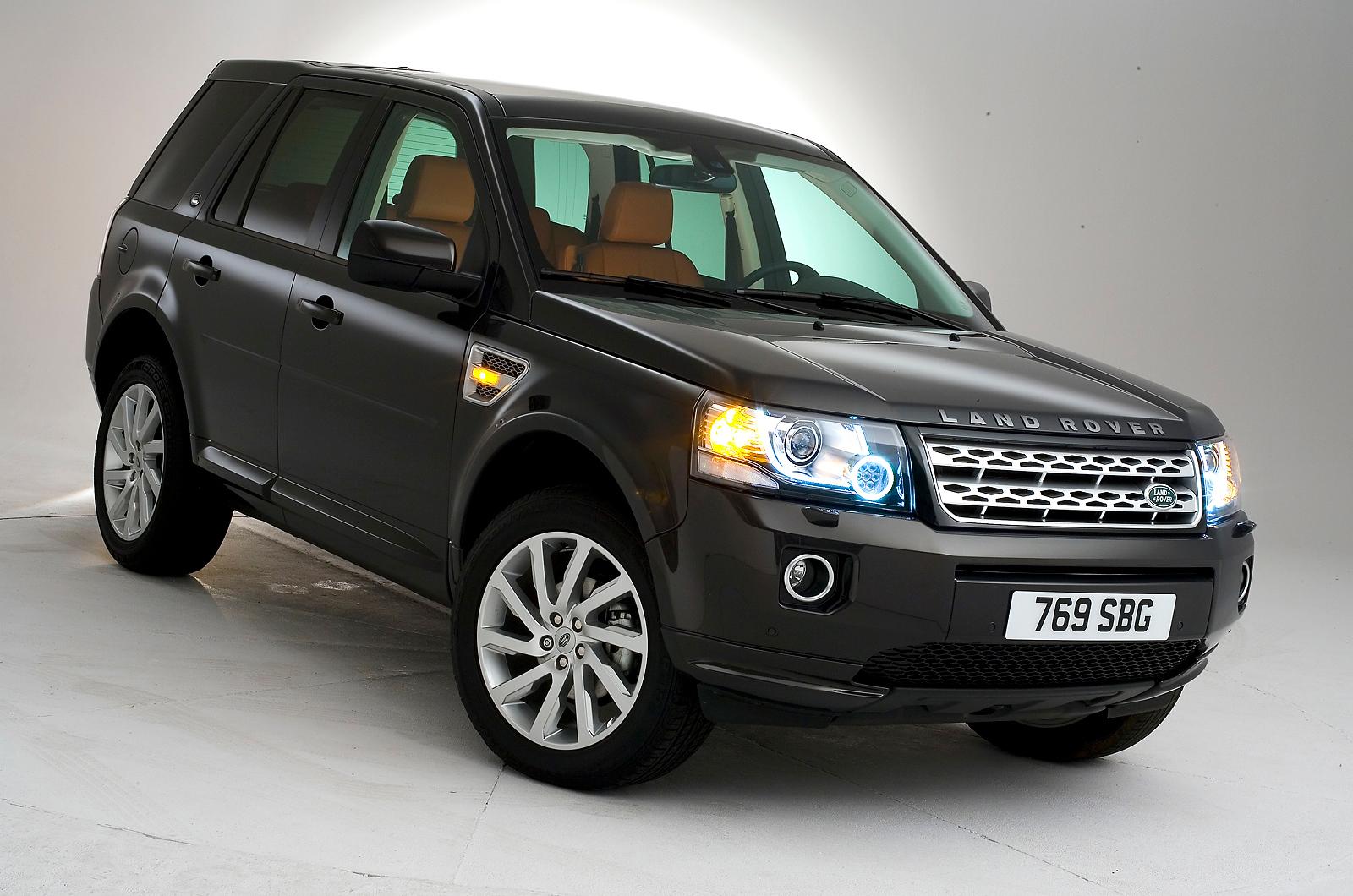 a car Land Rover Freelander 2 2013