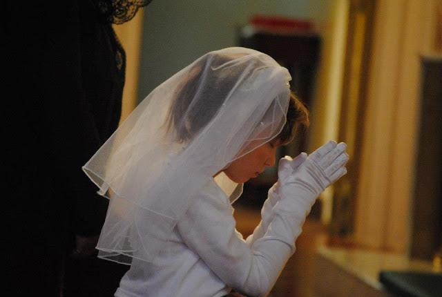 http://4.bp.blogspot.com/-EvpXPFTVaWg/UXSE4_uieSI/AAAAAAAACRw/x5ZUJG0t0-o/s640/Ani+in+prayer.jpg