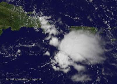 Tiefdruckgebiet Puerto Rico und Dominikanische Republik: Platzregen und Wind, aber kein Sturmpotenzial, Wettervorhersage Wetter, Puerto Rico, Dominikanische Republik, Punta Cana, Vorhersage Forecast Prognose, Satellitenbild Satellitenbilder, September, 2011, aktuell, Karibik,