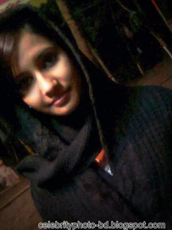 Ishana+facebook+Orginal+Picture+Collection018