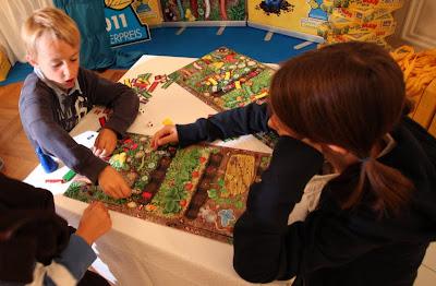 Da ist der Wurm drin - Children playing the 2011 Kinderspiel des Jahres winner