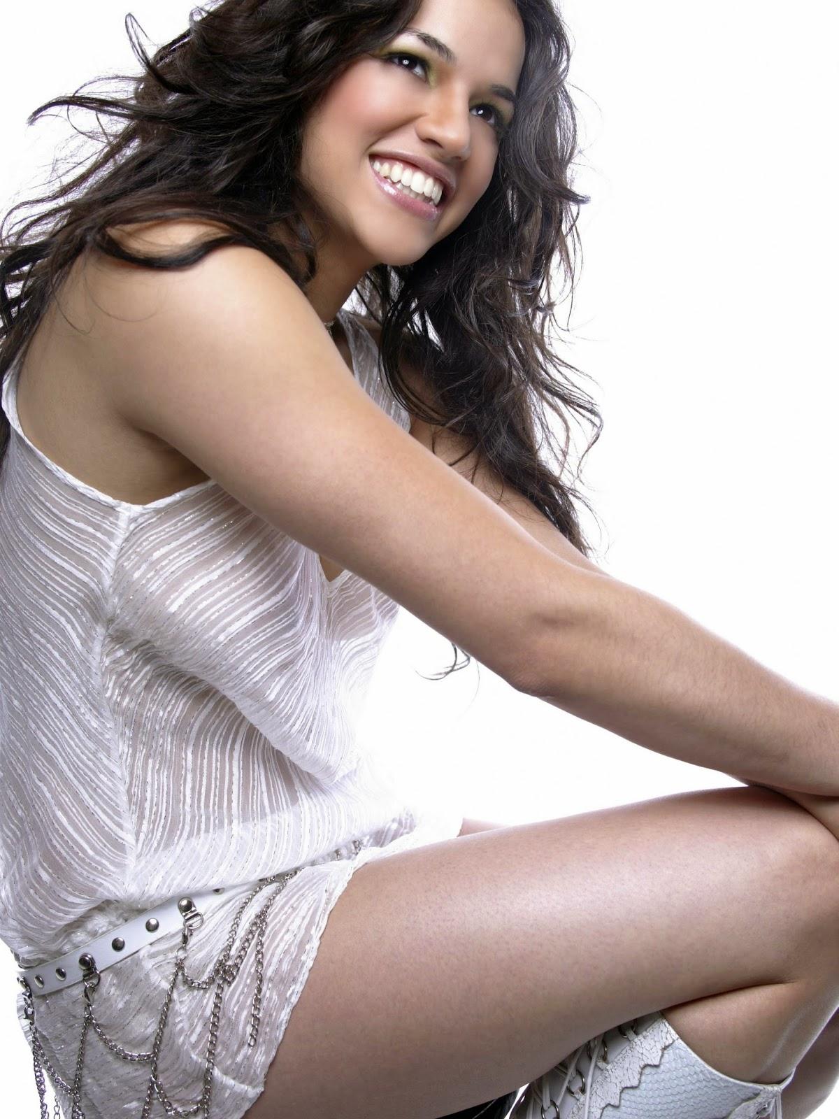 Michelle Rodriguez leg